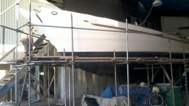 Working platform for boat renovation.