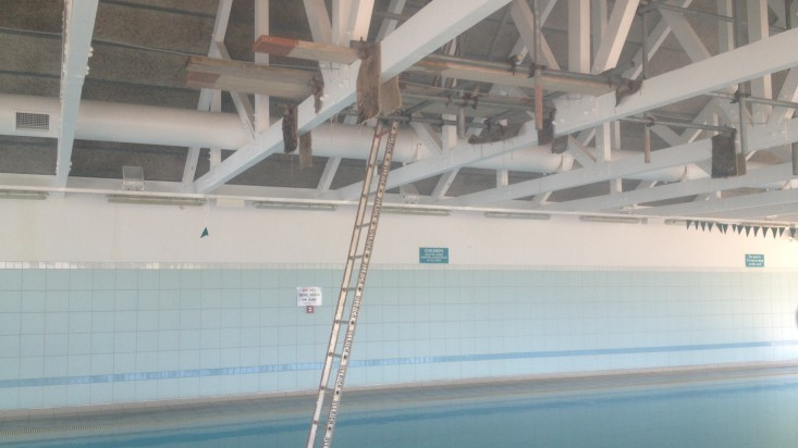 Scaffold above pool.
